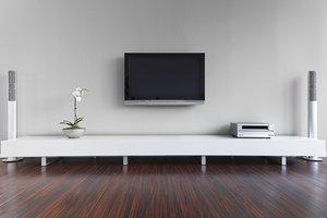 Beim Samsung UE40C6800 funktionieren auch VESA-Wandhalterungen.