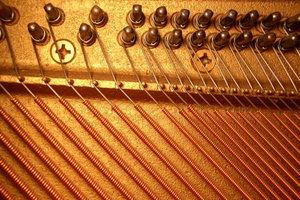 Sie lieben den Harfenklang, aber auf Üben können Sie verzichten? Dann spielen Sie die Veeh-Harfe!