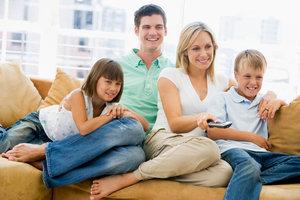Spaß beim Kinderfernsehen ist nicht nur den Kleinen vorbehalten.
