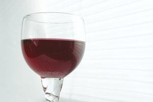 Aus aromatischen Brombeeren lässt sich ein köstlicher Likör herstellen.