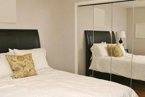Schlafzimmerspiegel sorgen für nächtliche Unruhe.