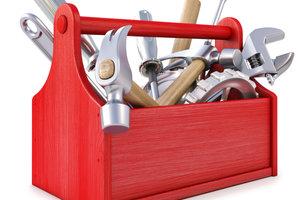 Um ein gutes Bass Cajon zu bauen, benötigt man gutes Werkzeug.