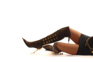 """Overknee-Stiefel können leicht """"billig"""" wirken."""