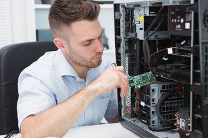 Computeringenieure sind Fachleute in der IT-Branche.