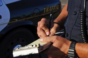 Die Carabinieri in Italien verteilt bei Verstößen im Straßenverkehr schnell Strafzettel.