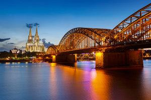Köln zählt zu den bekanntesten Städten am Rhein.
