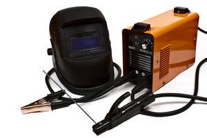 Schweißausrüstung für Lichtbogenschweißen - schon kann es losgehen!