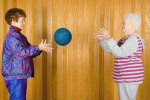 Ballspiele machen in jedem Alter Spaß!