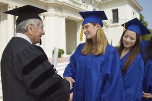 Einen Hochschulabschluss können Sie nach einem bestandenen Abitur anstreben.