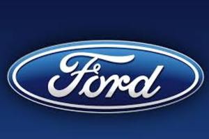 Auch der Ford C-Max träg natürlich das typische Logo.