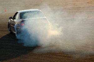 Driften ist bei Frontantrieb kaum möglich.
