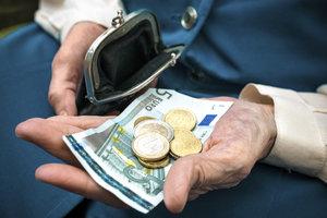 Dank der neuen Rentensteuer zahlen mehr Rentner Steuern.