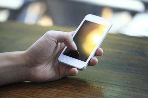 WhatsApp können Sie auf den meisten Smartphones installieren.