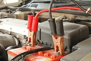 Autobatterien erfüllen wichtige Aufgaben.