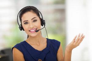 Mit einem Headset haben Sie beim Telefonieren die Hände frei.