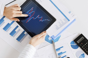 Üben mit virtuellem Musterdepot - Aktiengeschäfte erfordern Erfahrung.