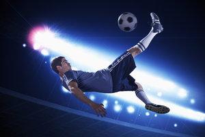 Viele Fußballspieler besitzen Ausstiegsklauseln in ihren Verträgen.