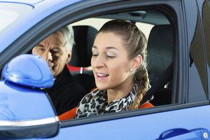 Durchatmen hilft - auch bei strengen Fahrlehrern.