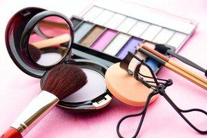 So hält Ihr Make-up länger.