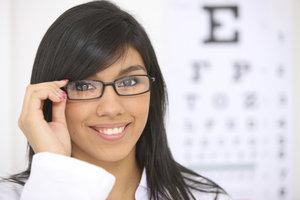 Die Brille ist ein Modeartikel und ein Wohlfühlfaktor.