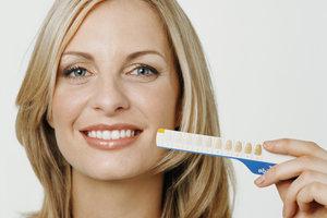 Weiße Zähne ein Leben lang