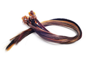 Extensions können Sie zeitweise oder dauerhaft in Ihr Haar integrieren.