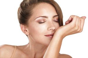 Am Handgelenk lässt sich ein Parfüm besonders gut testen.