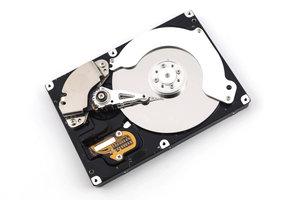 Eine Festplatte ist ein fehleranfälliges mechanisches Bauteil.