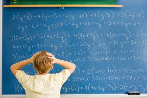 Bei linearen Gleichungssystemen kann man schon einmal den Überblick verlieren!