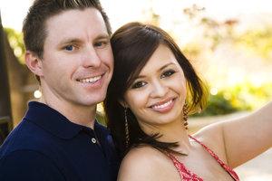 Verheiratete sollten Unterschiede zwischen der GKV und der PKV kennen
