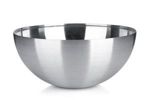 Eine Schale aus Metall können Sie mit ein wenig handwerklichem Geschick selbst herstellen.