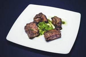 Mit einer selbst gemachten Gewürzmischung wird das Steak richtig lecker.