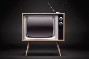 Brummt der Fernseher, sollten Sie die Kabel überprüfen.