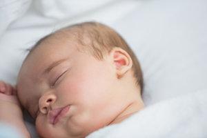 Nicht alle Babys schlafen nachts gut ein.