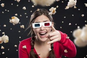 Auch allein kann ein Kinobesuch viel Spaß machen.