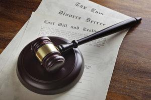 Scheidungsantrag verhindert Erbrecht des Ehepartners.