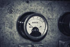 """Stromstärke wird in der Einheit """"Ampere"""" gemessen."""