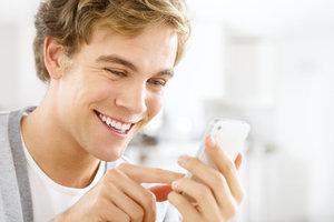 Die erste SMS zu formulieren kann Nerven kosten.