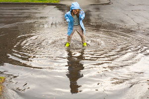In stark bebauten Gegenden sorgt jeder Starkregen für riesige Pfützen.