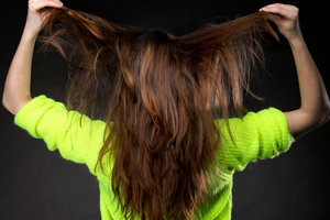 Voluminöse Haare sind der Traum vieler Frauen.