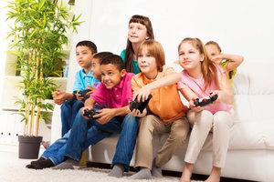 Kinder haben beim Spiel mit der Wii besonders viel Spaß.