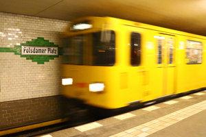 Bei den Fahrscheinen der öffentlichen Verkehrsmittel ist Mehrwertsteuer enthalten.