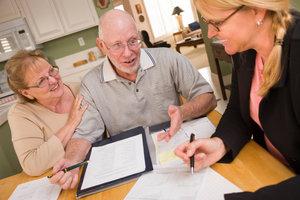 Kredite zusammenfassen bringt dem Kreditnehmer diverse Vorteile.