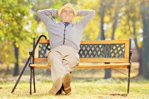 Beamte können ihren Ruhestand dank der Pension genießen.