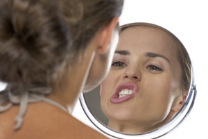 Gesichtstraining kann Falten verzögern.