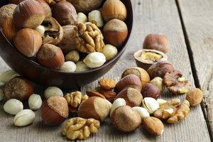 Nüsse sind gesund und enthalten viele Kalorien.