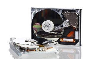 Unter Linux müssen Sie Festplatten mounten.