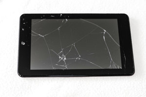 Ups. Ein Herunterfallen des iPads kann nicht nur den Power-Button beschädigen.