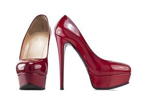 Schuhe mit hohen Absätzen bergen auch einige Tücken.