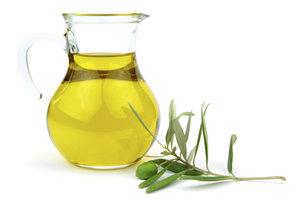 Olivenöl bietet eine Fülle von Wirkstoffen für die empfindliche Haut.